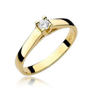 Pierścionek żółtego złota z diamentami