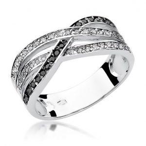 Pierścionek z białego złota z diamentami